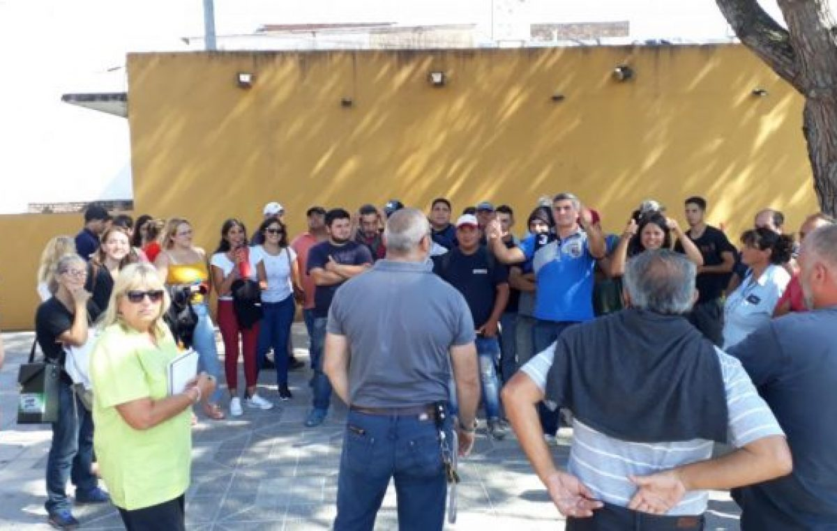 Municipales de Río Ceballos en asamblea permanente por discusión salarial y contratados