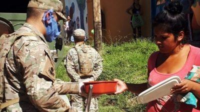 Convocan al Ejército y a los curas villeros para sostener la cuarentena en el Conurbano profundo