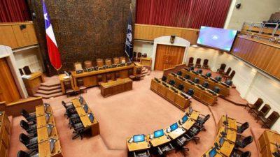Chile limitará número de mandatos de legisladores, alcaldes y concejales