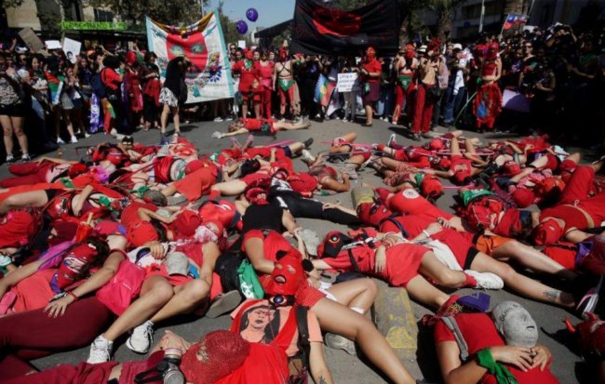Chile: Marchan en su día para voltear al patriarcado