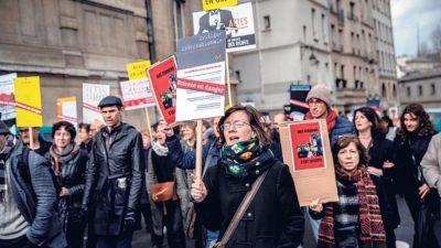 Francia: Alarma por una reforma sin voto