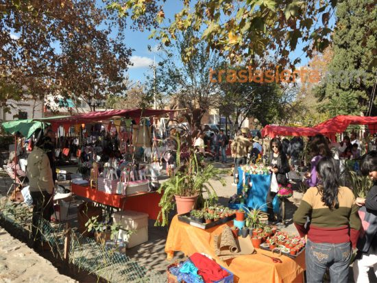 Feria de Villa de las Rosas: un clásico de Traslasierra que no podés dejar de visitar