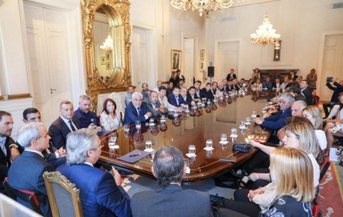 El presidente recibió el apoyo de unos 60 legisladores e intendentes del PJ cordobés