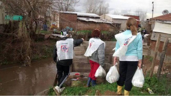 Cáritas aumentó la asistencia alimentaria en 50% en el conurbano bonaerense
