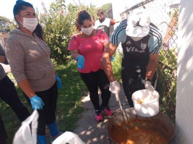 Coronavirus: merenderos mendocinos llevan la comida casa por casa