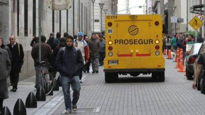 Un paraguas para cuando sale el sol: los empresarios Pyme, furiosos con los bancos públicos y privados