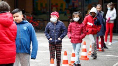 Una semana después de retomar las clases, Francia cerró 70 escuelas