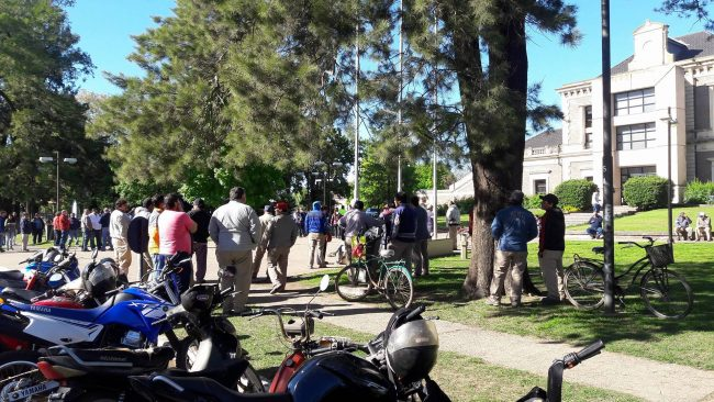 Paro de trabajadores municipales en Gálvez