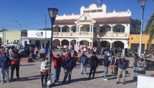 Aumentan los reclamos bajo un enrarecido clima en municipios salteños