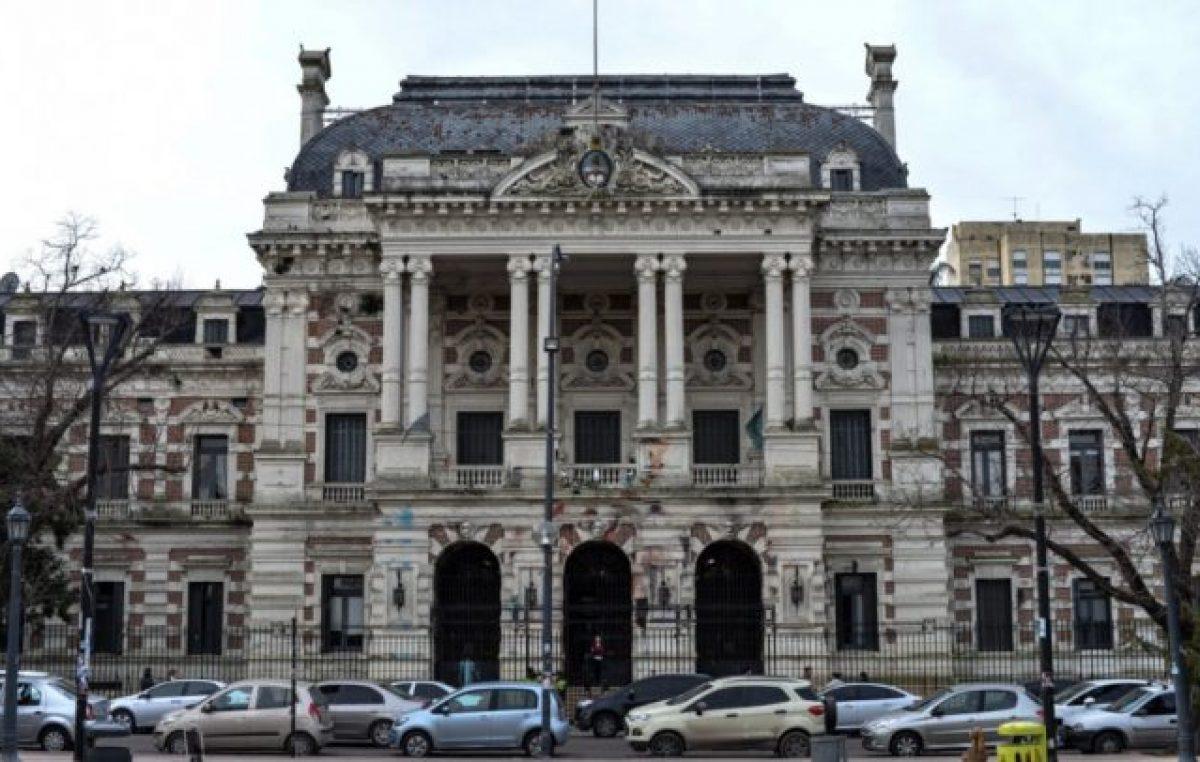 La Provincia de Buenos Aires oficializó los golpeados números de las transferencias a los municipios