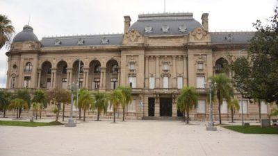 Municipios santafesinos advirtieron a la provincia que sin asistencia peligra la paz social