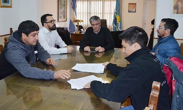 Esquel: El SOEME y el Municipio acordaron suspensión