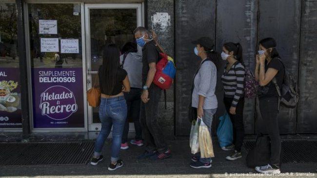 """Las deudas """"no bancarias"""" de las familias aumentaron 26% en mayo: 9 de cada 10 argentinos """"deben algo"""""""