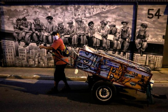 En tres meses, casi un millón de personas se quedaron sin trabajo en Brasil
