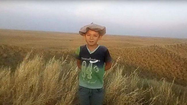 Jeremías, el niño pampeano que debe subir una loma para mandar su tarea