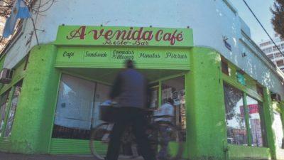 Cierre de comercios: la gastronomía de Roca baja persianas por la crisis