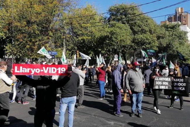 Municipales de Córdoba se movilizaron hacia el Palacio 6 de Julio contra los recortes