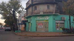 En Esperanza más de 35 comercios cerraron sus puertas por la pandemia