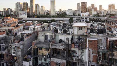 «En los barrios populares la muerte llega antes que la ambulancia»: el reclamo de 40 curas villeros del AMBA