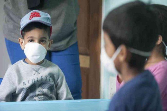 Números que duelen: al menos 54 niños que viven en distintos hogares de CABA tienen Covid-19