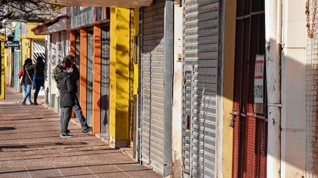 Uno de cada cinco locales está en riesgo de cerrar en Neuquén