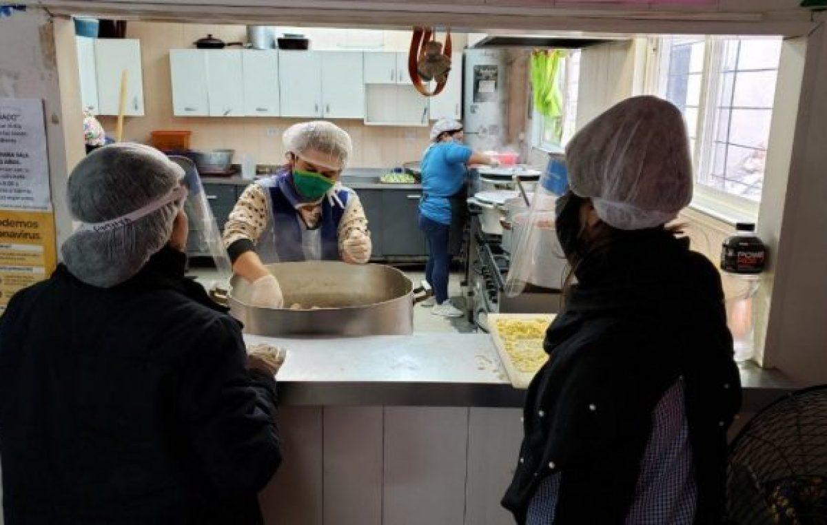 Ciudad de Buenos Aires: más de 300 mil personas piden ayuda en comedores, el triple que hace 3 meses