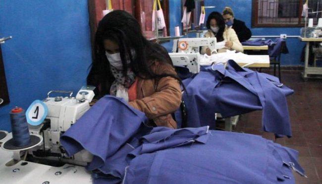 Palpalá: Fábrica textil provee ropa a empleados municipales