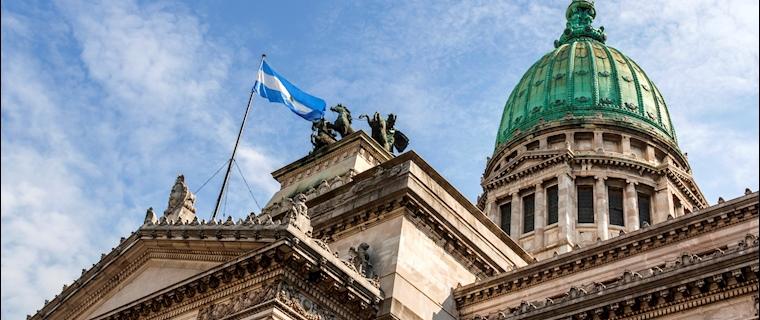 Alberto Fernández impulsa una ley para apoyar la última oferta a los acreedores