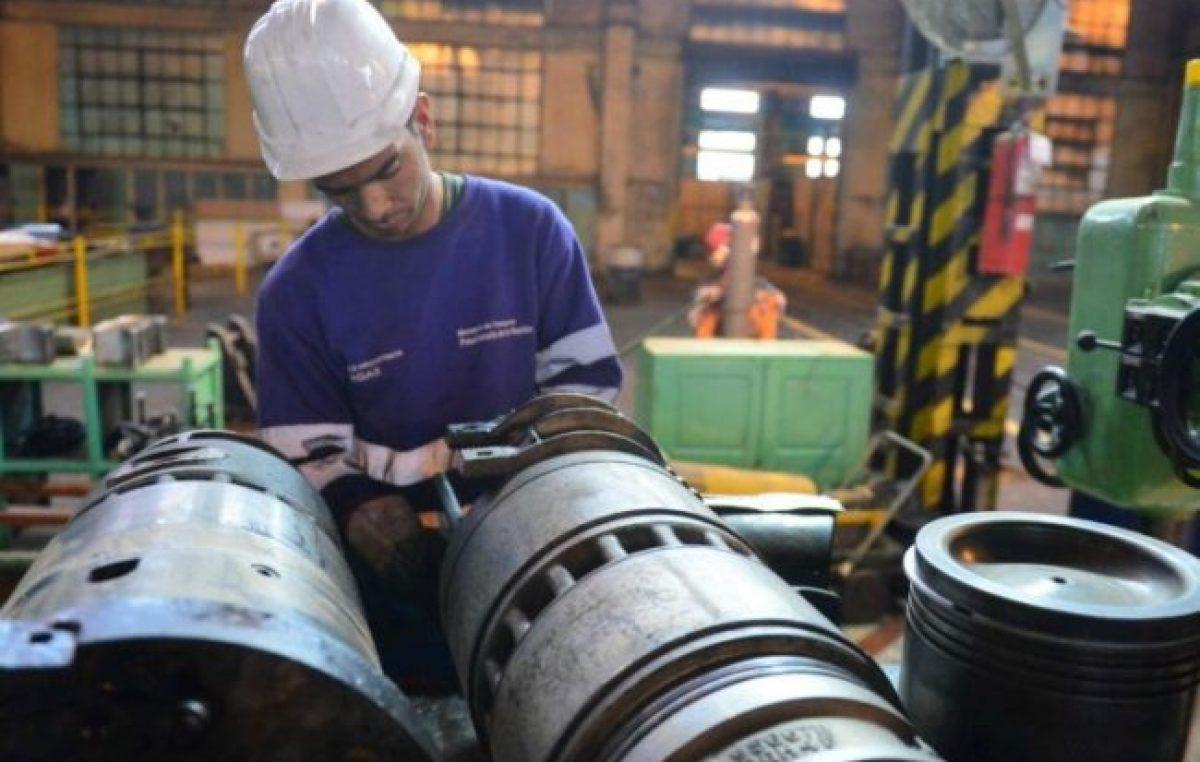 Javkin planteó el problema del éxodo de industrias en Rosario