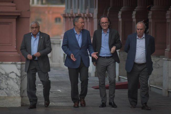 Mientras renegocia, la Provincia de Córdoba paga U$S 16 millones de intereses de deuda