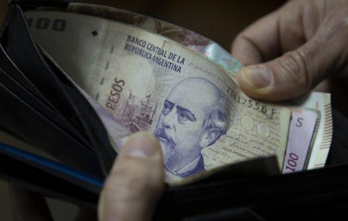 Los salarios cayeron 0,1% en mayo, según datos del Indec