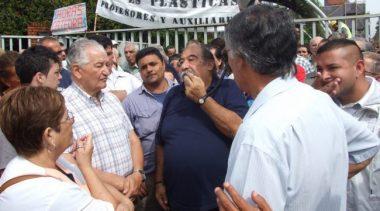 Lanús: Municipales piden la reincorporación de trabajadores despedido