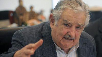Pepe Mujica fue lapidario con la medida de Lacalle Pou para «atraer» argentinos