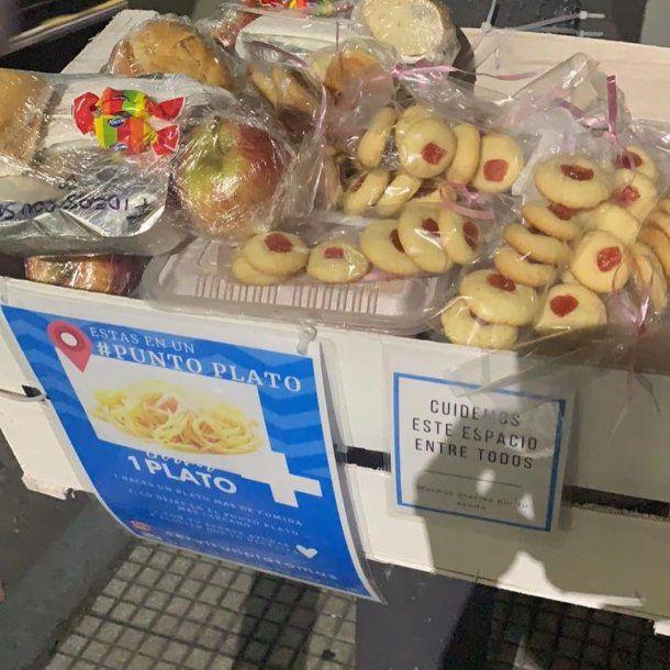 """""""Servir un plato más"""": la iniciativa solidaria en cuarentena para ayudar a los que más necesitan"""