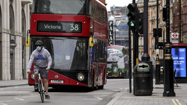 En medio de una creciente crisis económica, Reino Unido supera los 51.000 muertos