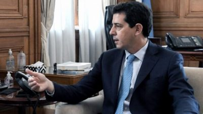 De Pedro calificó a Macri de «irresponsable» como presidente y como opositor