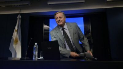 Otra denuncia penal contra Juan José Aranguren: 3.300% de aumento ilegal en el gas