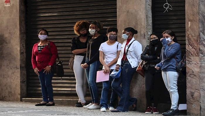 Bajan pedidos de subsidio al desempleo en EEUU y sube desocupación en Brasil