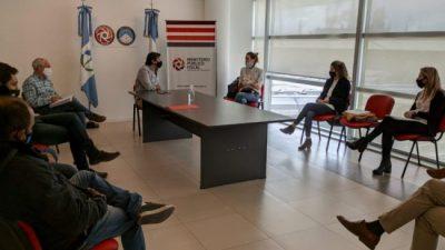 Autoridades y trabajadores del Municipio de Centenario se reunieron con Gerez