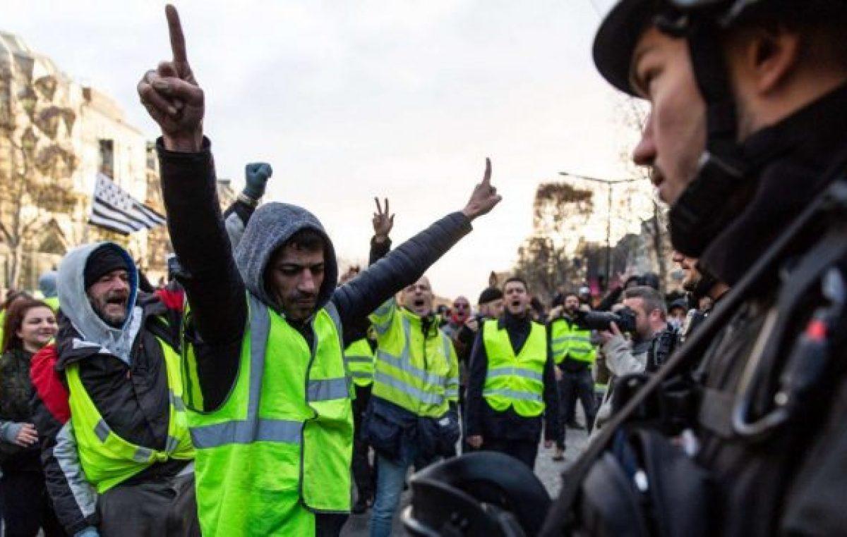 Francia: casi 200 detenidos en el regreso de los «chalecos amarillos» a las calles