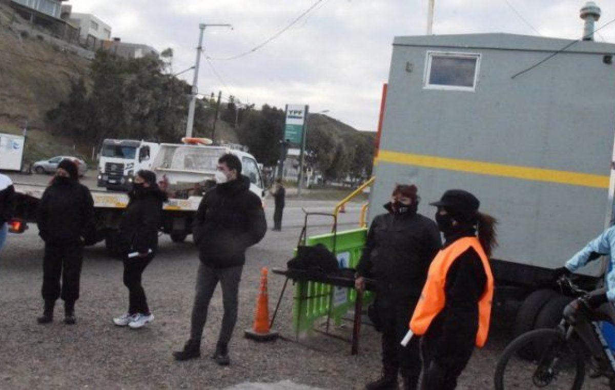 Municipales de Caleta Olivia afectados a la ruta piden bono de 10 mil