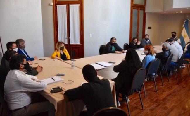 Gremios municipales de Trelew piden una recomposición salarial del 30%