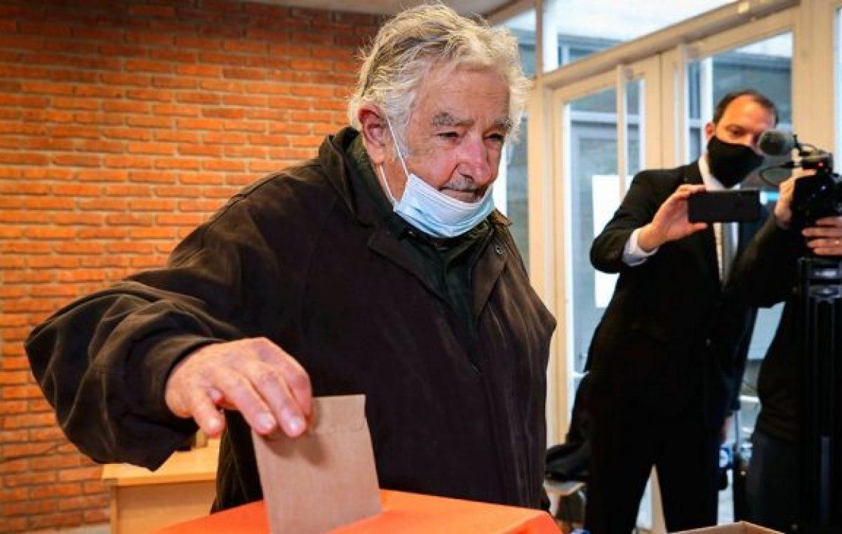 Mujica anticipó su retiro de la política y le pidió disculpas a candidata del oficialismo