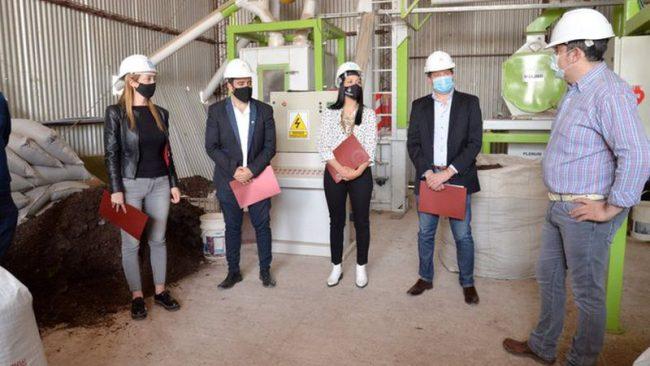 Tres intendentes peronistas acordaron reactivar una fábrica en Santa Rosa