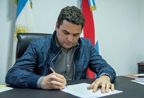 San José: El intendente anunció un aumento del 20% para trabajadores municipales