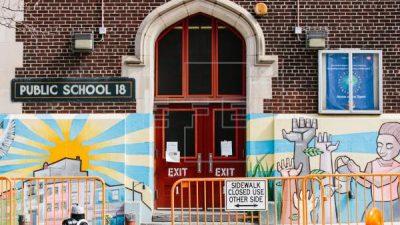 El retorno presencial a la escuela, un dilema para las familias más pobres de Nueva York