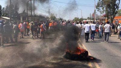 Importante manifestación de trabajadores municipales en Venado Tuerto