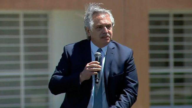 """Alberto Fernández: """"Devaluar es fácil, pero es una máquina de crear pobreza"""""""