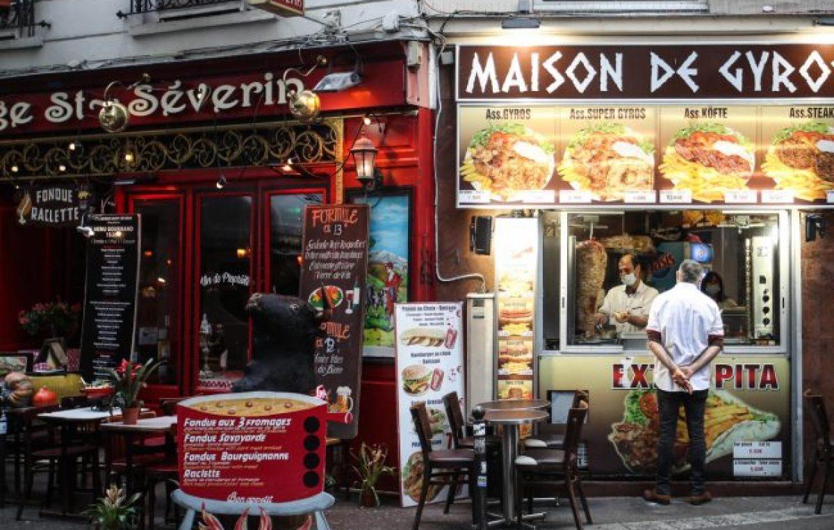 Coronavirus en Francia: París cierra bares y gimnasios y prohíbe fiestas