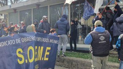 Esquel: El SOEME declaró retención de servicios y asamblea permanente
